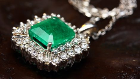 birthstone for the month of May